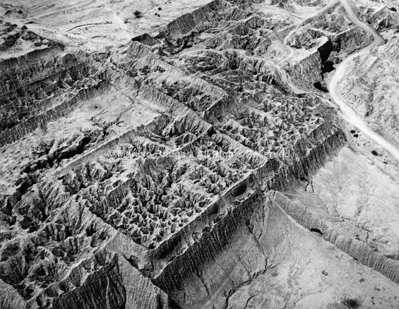 Cerro Purgatorio, Tucume 1988. Peru. copyright photographer Marilyn Bridges